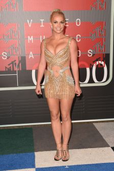 gallery-1440982507-hbz-vma-britney-spears