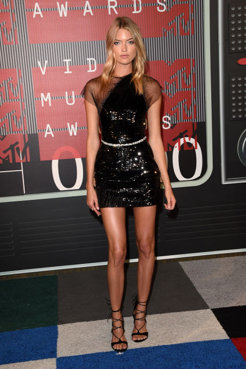 hbz-vma-martha-hunt